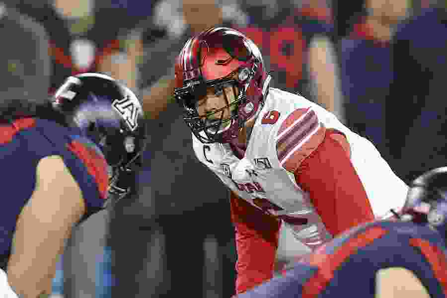 Bradlee Anae gives Utah a Pac-12 Defensive Lineman of the Week award for a fifth straight game