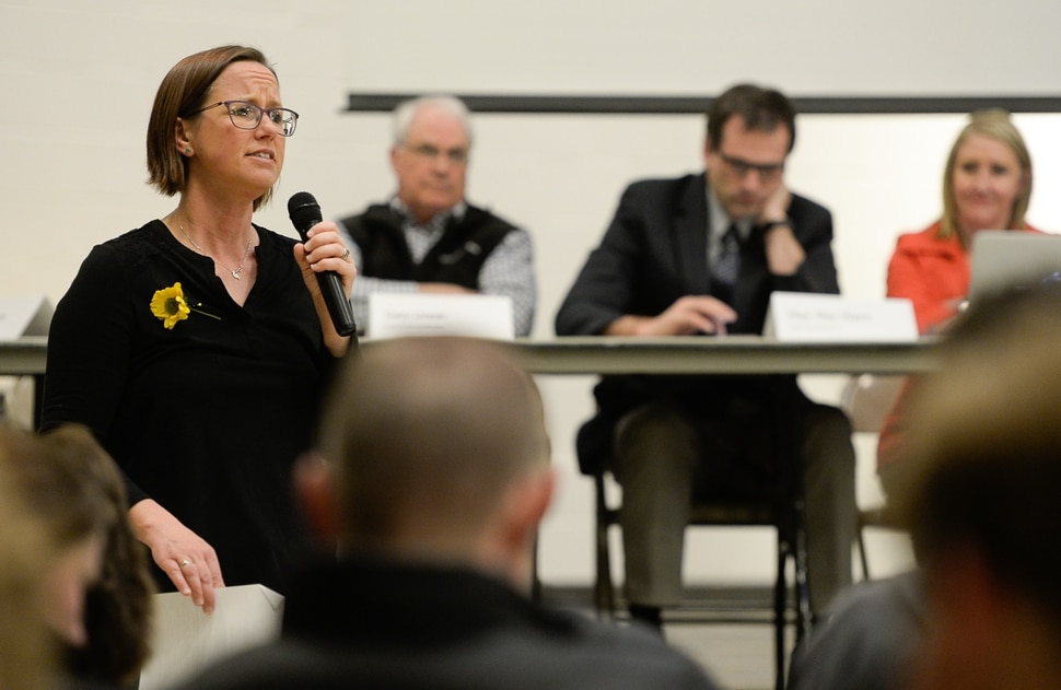 (Francisco Kjolseth | The Salt Lake Tribune) Foxboro resident Angie Keeton leads a citizens meeting at Foxboro Elementary School in North Salt Lake on Wed. March 20, 2019, to discuss the neighborhood's future now that adjacent Legacy Parkway will allow big-rig trucks and have a higher speed limit beginning Jan. 1. The Legislature rejected bills to extend the truck ban.