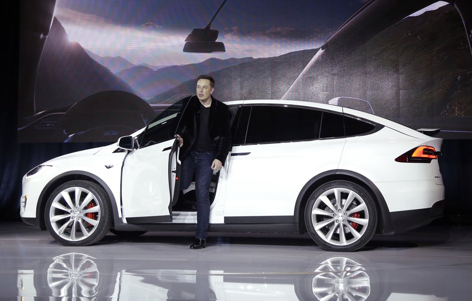 Tesla Claims Its Vehicles Are The Safer Than Any Others On Road That S Not Quite Right