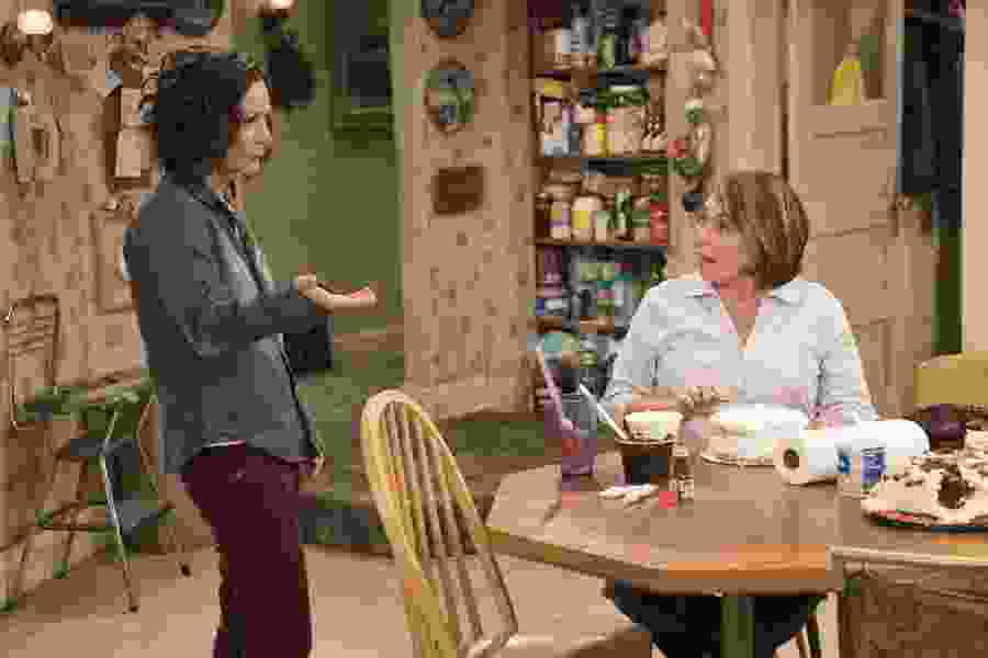 ABC orders 'Roseanne' spinoff for fall — minus Roseanne Barr