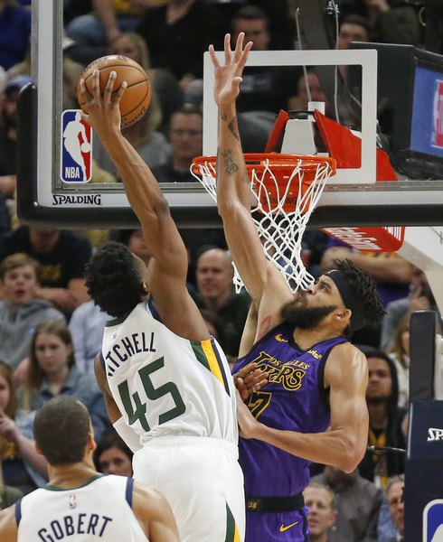 Donovan Mitchell and the Jazz dunk on the Lakers for 113-95 victory