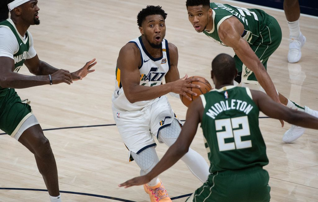 The Triple Team: Jazz with jaw-dropping, highlight-reel offense again in  win vs. Bucks