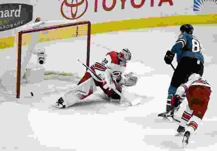 NHL roundup: Stamkos leads Lightning past Avalanche 5-2