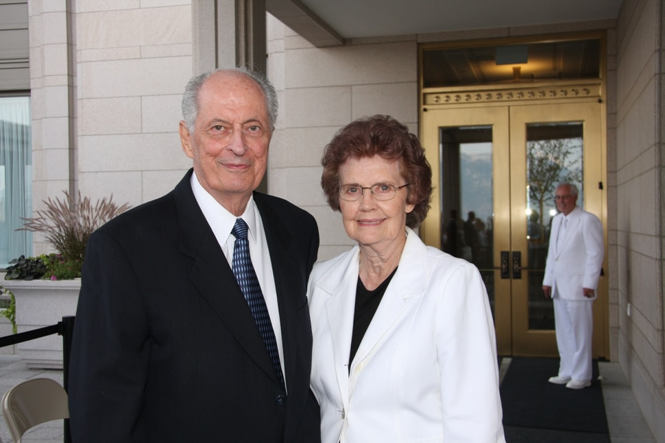 (Photo courtesy of Intellectual Reserve) Elder Robert D. Hales and his wife, Mary.