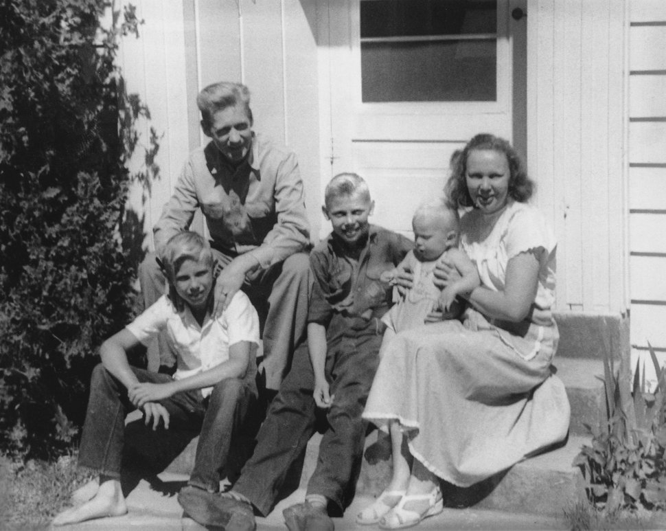 (photo courtesy Huntsman family) Jon Huntsman with his family in 1948.