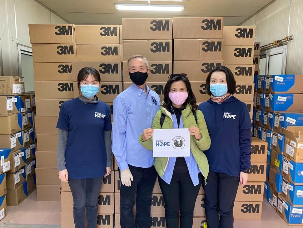 (Photo courtesy of The Church of Jesus Christ of Latter-day Saints) Volunteers with Latter-day Saint Charities and Project HOPE partnered to distribute medical supplies Feb. 4, 2020, in Shanghai to combat coronavirus.