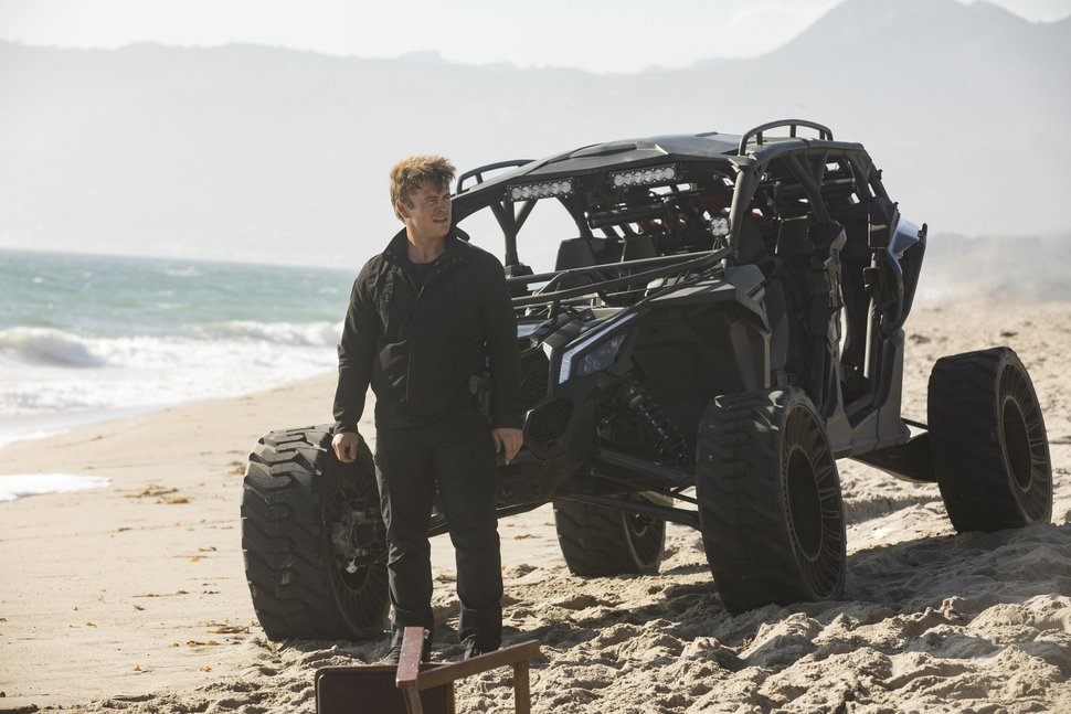 "( John P. Johnson | HBO) Luke Hemsworth as Stubbs — on the shore of Lake Powell — in Season 2 of ""Westworld."""