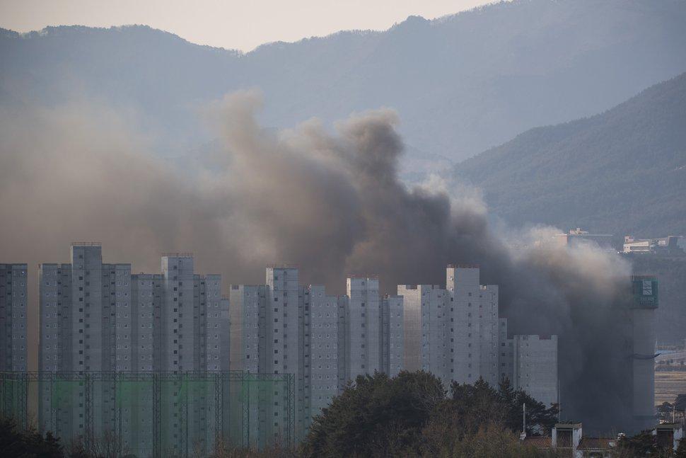(Chris Detrick | The Salt Lake Tribune) A building fire near the media village during the Pyeongchang 2018 Winter Olympics Wednesday, Feb. 7, 2018.