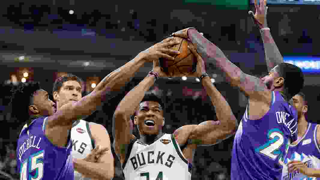 Giannis posts 50 points to lead Bucks win, LeBron sparks Lakers