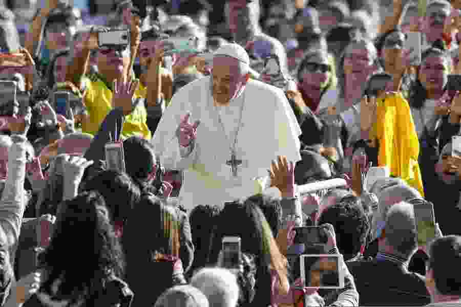 Pope Francis on World Food Day laments paradox of hunger, obesity