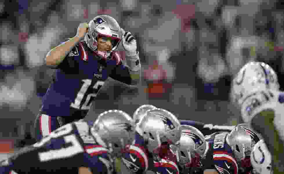 Brady reaches 500 career TD passes in Patriots' 38-24 win over Colts